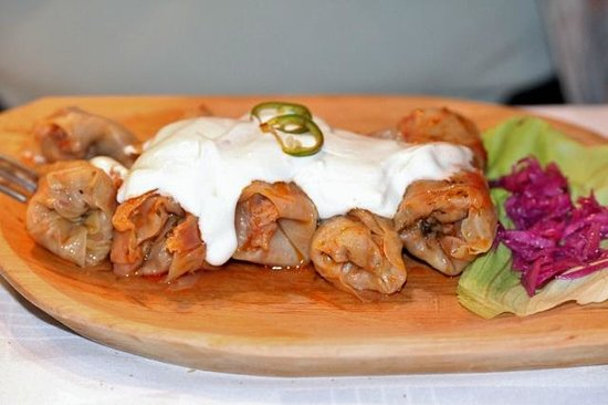Roata : Sarmale (cabbage rolls)... wonderfully presented and tasty