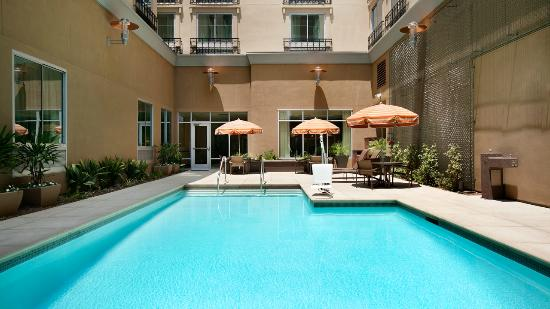 Hyatt Place Riverside Downtown: Pool Courtyard