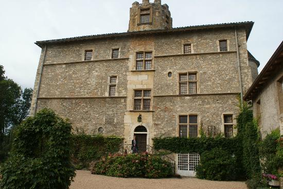 Chateau de Tanay : imressive and intriguing