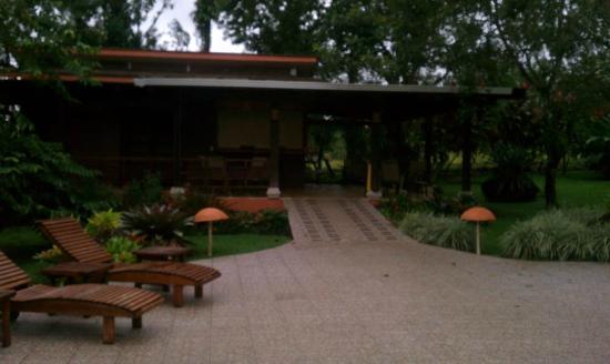 Hotel El Silencio del Campo: bar area