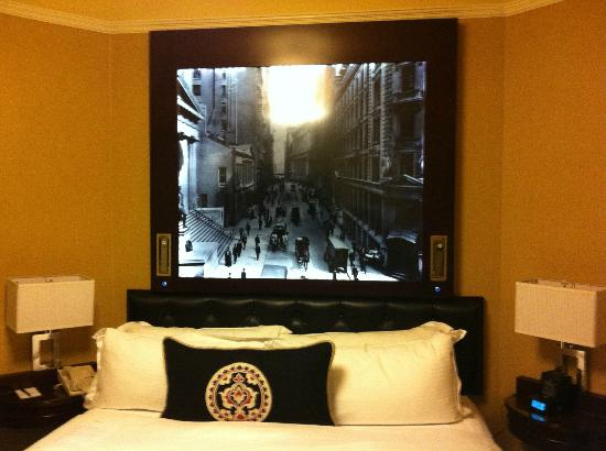 "Algonquin Hotel: The ""Amazing"" Headboard"