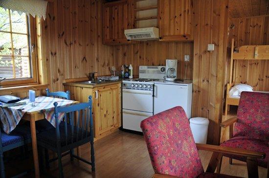 Furuhaugli Turisthytter: Kitchen/Lounge