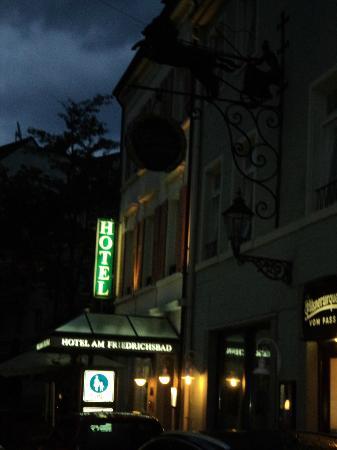 Hotel Am Friedrichsbad mit Prager Stuben: Hotel face 