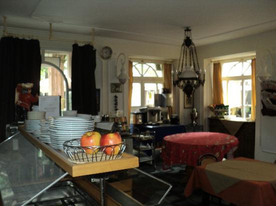 Hotel Am Friedrichsbad mit Prager Stuben: Breakfast room/Czech restaurant 