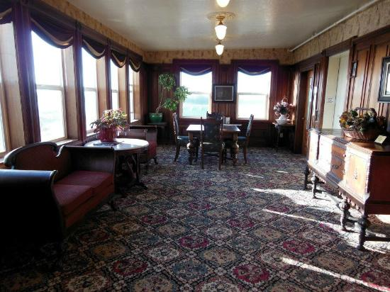 Eagle House Victorian Inn: Cool sitting areas on every floor
