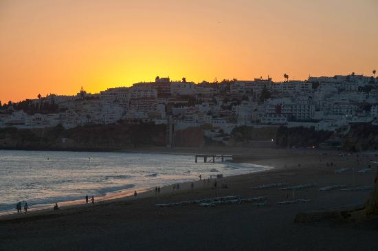 Monica Isabel Beach Club: Sunset over Albufeira Old Town from just in front of our room