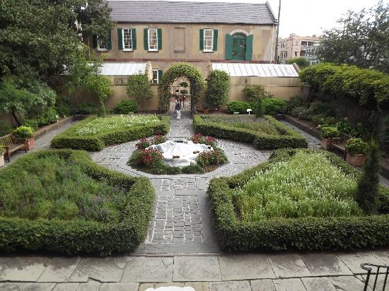 Owens-Thomas House: the garden