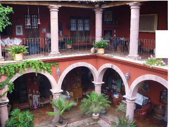 Casa de la Cuesta: Main courtyard 