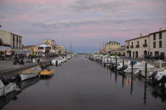 Petit Hotel Marseillan: Hafen von Marseillan, 5 Minuten zu Fuß entfernt