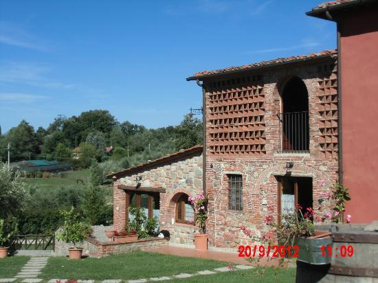 Agriturismo San Gallo di Montecarlo: qui dentro credo ci sia la camera più bella della struttura
