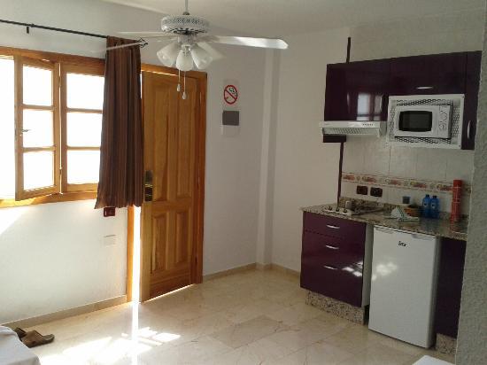 Rebecca Park Apartments: Studio Kitchen