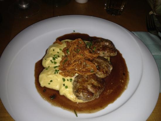 Specht: Kalbsbutterschnitzel