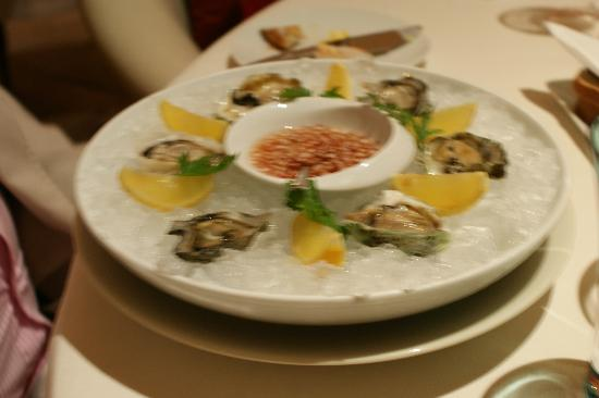 Prime : Oysters from the lagoon starter
