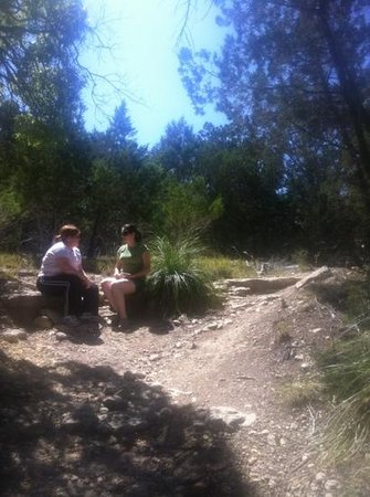 Kerrville-Schreiner Park : on the red hiking trail