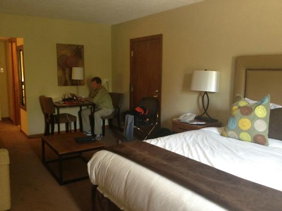 The Inn at Aspen: large room with desk and a sitting area