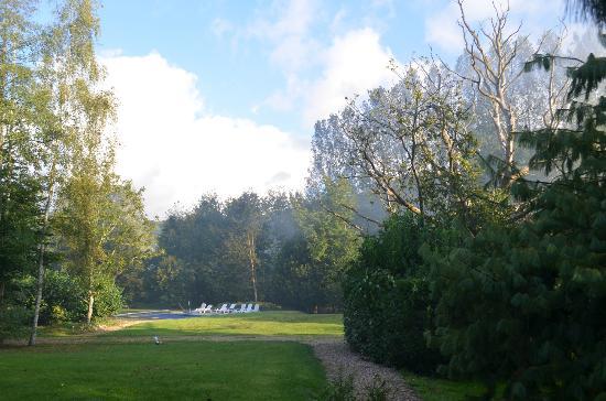Le Clos Bel Ami: Lever de soleil sur le jardin
