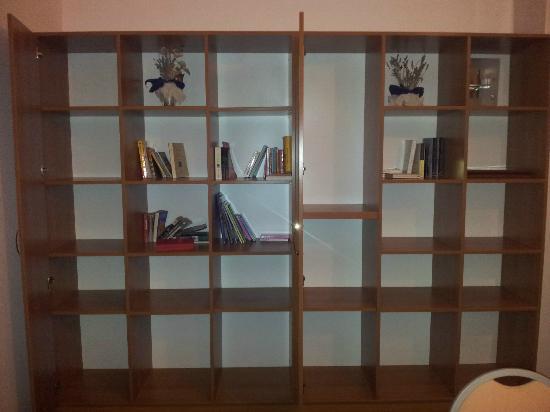 Hotel Nimfa: bibliotheque