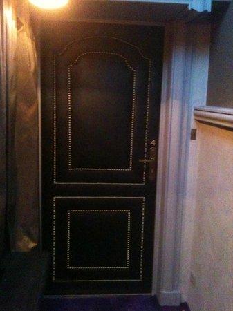 Relais & Châteaux Michel Trama : porte de la chambre