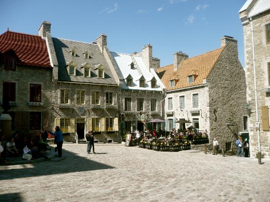 Japanese Guided Quebec City Sightseeing Tours on Foot - Quebec Guide Service : Village by the St. Laurence R.