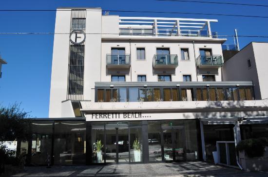 Ferretti Beach Hotel: Front of Hotel