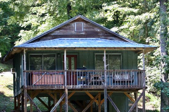 Cavender Creek Cabins Resort: Cabin #8
