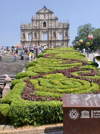Tour around the island of Macau: The ruins of St Paul