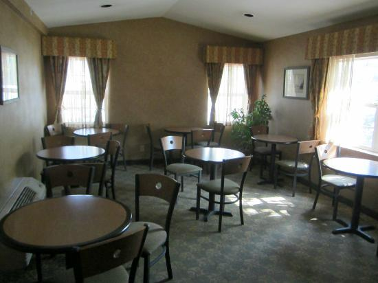 Ramada Limited Frisco: Breakfast Room