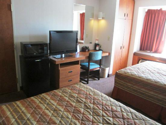 Ramada Limited Frisco: Bedroom