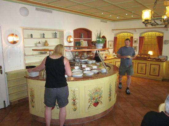 Hotel Hirsch: great choices for breakfast