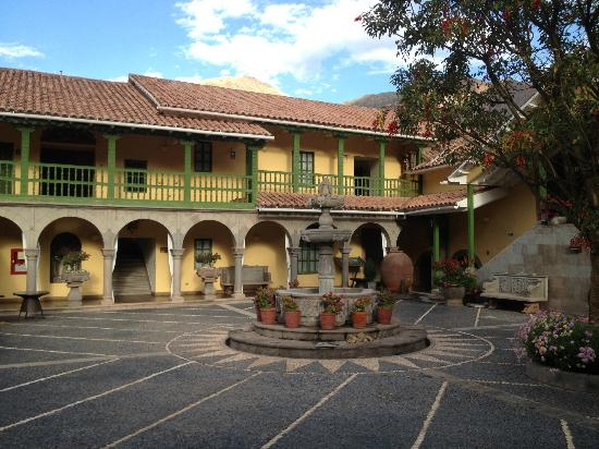 Aranwa Sacred Valley Hotel & Wellness: Hacienda courtyard.