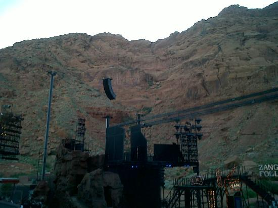 Tuacahn Amphitheatre: Stage side view at Tuacahn in Ivins (St George) Utah