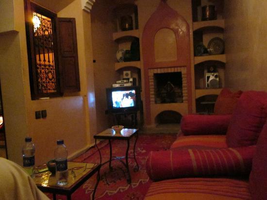 Riad Karim: Fernseh- u. Aufenthaltsraum