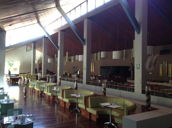 Aranwa Sacred Valley Hotel & Wellness: Dining room for breakfast and lunch.