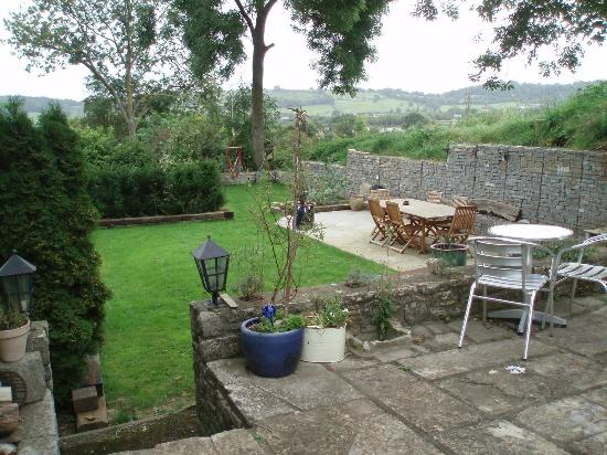 The Yew Tree at Church Farm: wonderful patio and grass area