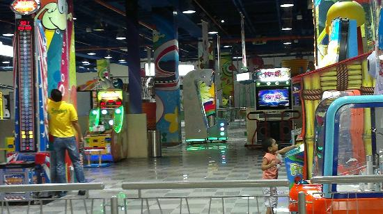 RAK Mall : Playing area for children near the Ice Rink