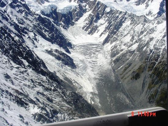 Glacier Helicopters: Glacier path