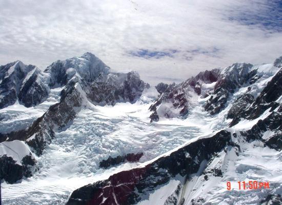 Glacier Helicopters : Crevasses