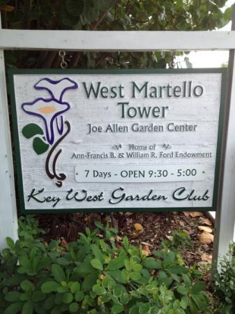 West Martello Tower: cute garden center on the beach