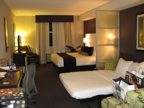 Best Western Premier Miami International Airport Hotel & Suites: Quartos grandes com sofá cama!