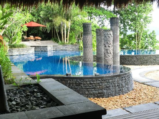 MAIA Luxury Resort & Spa: water feature at the resturant