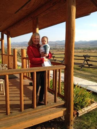 Elijah's Rest Cabins & Breakfast : baby and grandma