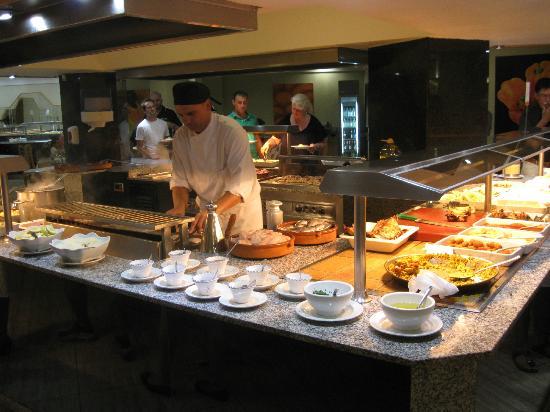 Cocina en vivo picture of hotel riu don miguel playa - Cocina gran canaria ...