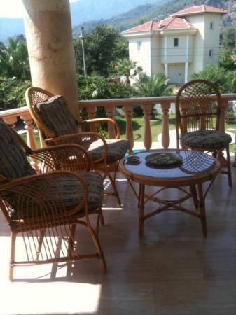 Jumali House: comfy chairs!!