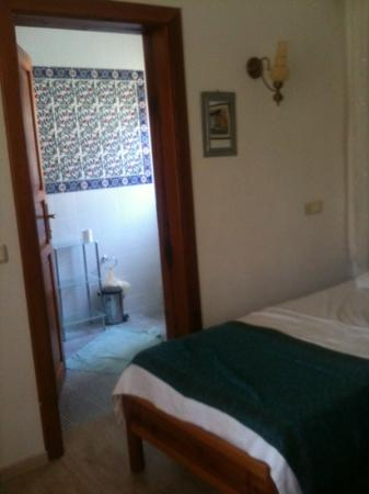 Jumali House: twin room