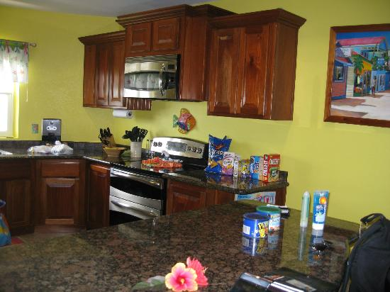Grand Caribe Belize Resort and Condominiums: one view of LARGE kitchen