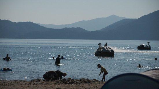 Hachimandaira Promenade Peak: 田沢湖の海水浴場