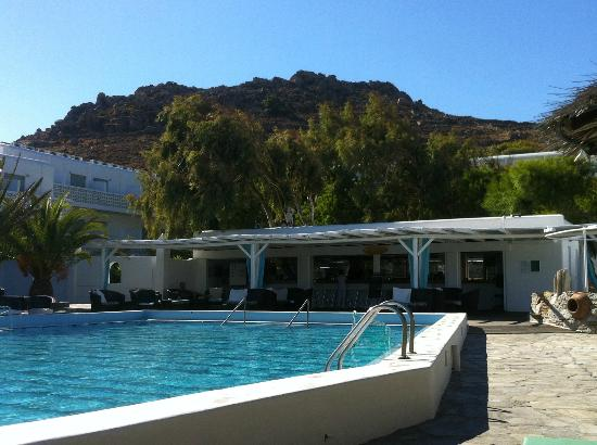 Aphrodite Beach Resort: Pool and the Pool Bar