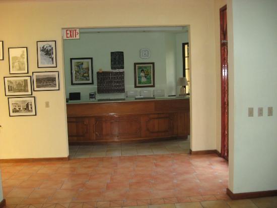Hotel MacArthur: Reception