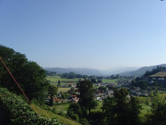 Hotel du Chateau de Salles : vue sur les Monts du Cantzl