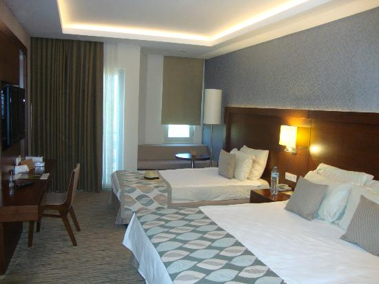 Belconti Resort Hotel: Luxury room, extra bed.P.S. all rooms involve 3 persons, all of them are equiped with an extra b